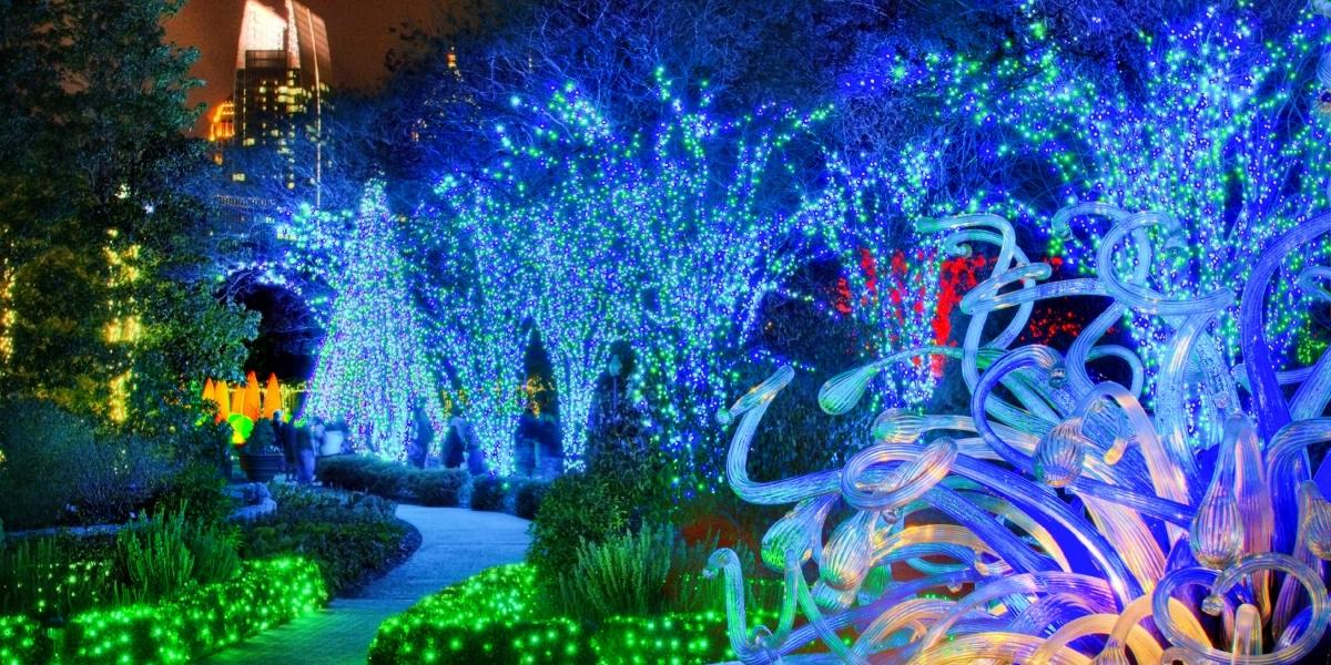 Luces para el jardin farola de tres luces para exteriores - Luces solares jardin ...